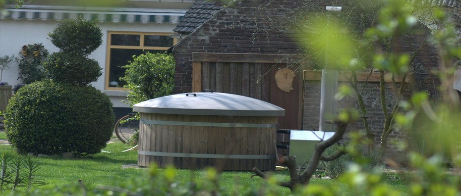Hottub in showtuin Nuenen